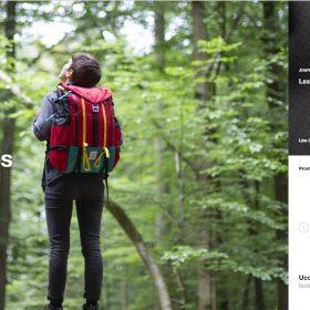 """""""Keus"""" バックパックを水平スクロールで見せるホームページデザイン"""